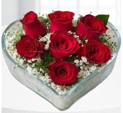 Kalp içerisinde 7 adet kırmızı gül  çiçek siparişiBursa mustafa kemal paşa çiçek siparişi sitesi