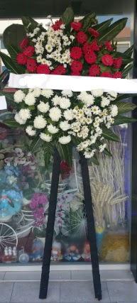 Cenaze çiçeği cenaze çiçek modelleri  Bursa çiçek gönder nilüfer çiçek siparişi vermek