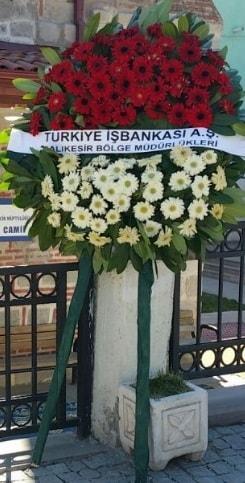 Cenaze çiçek modeli  Bursa büyük orhan yurtiçi ve yurtdışı çiçek siparişi