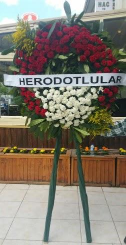 Cenaze çelengi cenazeye çiçek modeli  Bursaya çiçek yolla orhangazi çiçek satışı