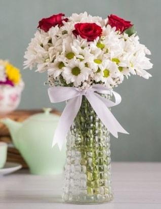 Papatya Ve Güllerin Uyumu camda  çiçek siparişi Bursa karacabey çiçek yolla