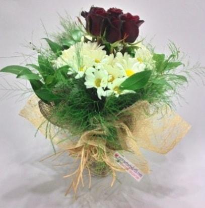 5 adet kırmızı gül ve kırızantem buketi  çiçekçiler Bursa online çiçek gönderme sipariş