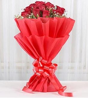 12 adet kırmızı gül buketi  çiçekçi Bursa nilüfer hediye çiçek yolla