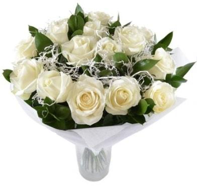 15 beyaz gül buketi sade aşk  Bursaya çiçek yolla orhangazi çiçek satışı