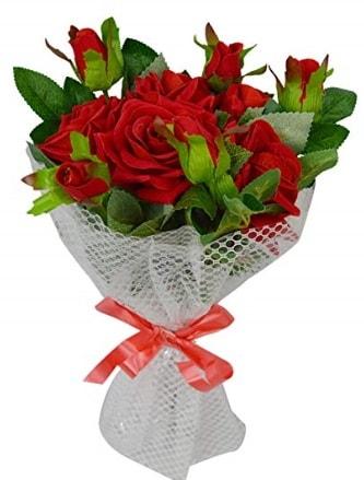 9 adet kırmızı gülden sade şık buket  Bursa çiçekçi osman gazi çiçek gönderme sitemiz güvenlidir