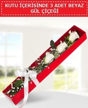Kutu içerisinde 3 adet beyaz gül çiçeği  çiçekçiler Bursa online çiçek gönderme sipariş